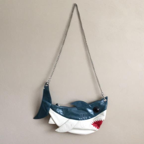 640a810e88 Shark purse! M 5b3243c52beb79833a82e559
